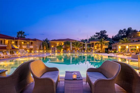 lagomandra-beach-hotel